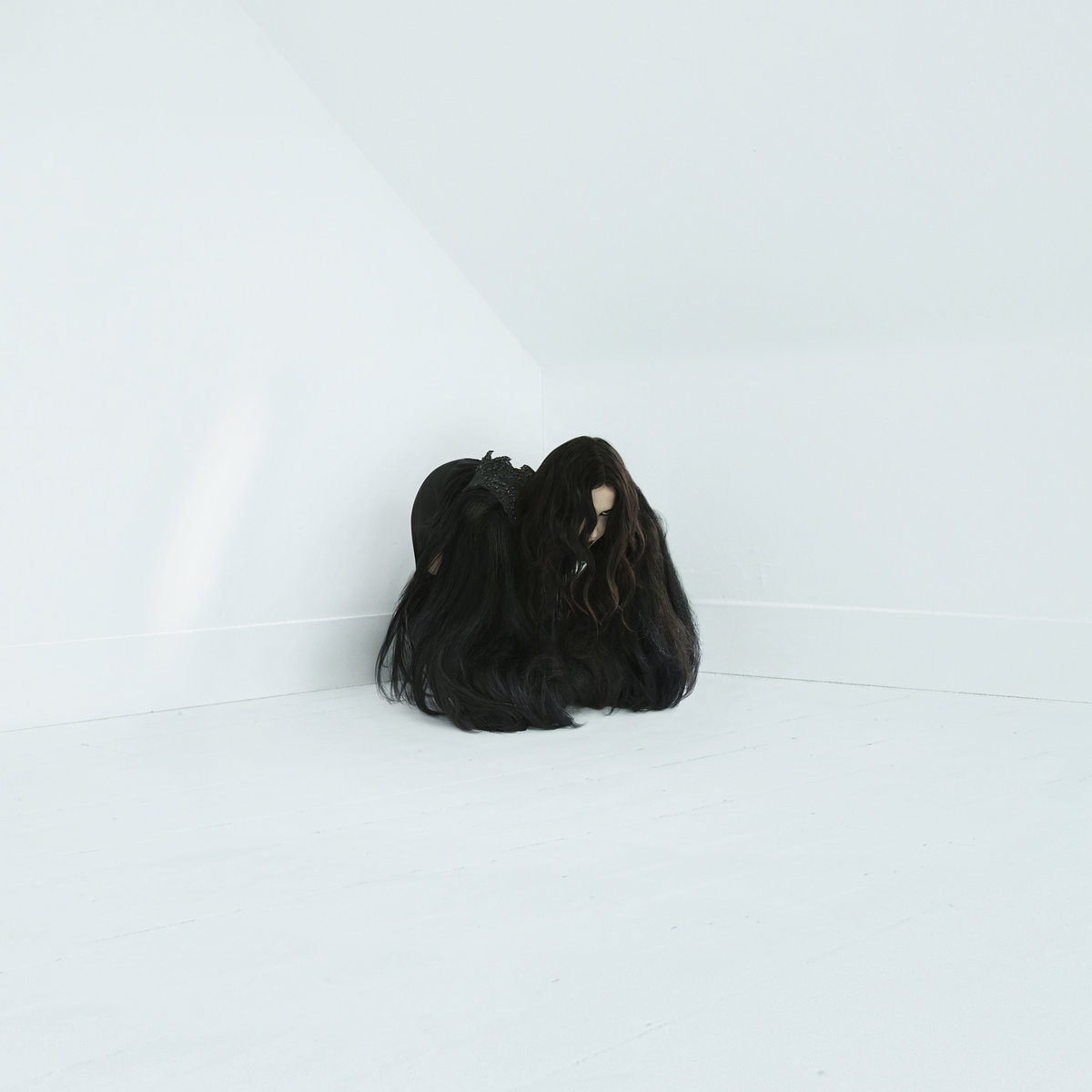 Music and video in perfect harmony: the new video by Chelsea Wolfe